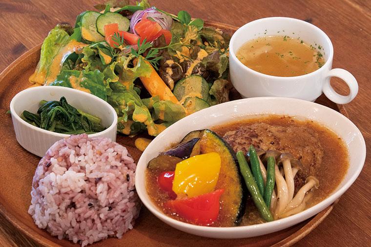 彩り野菜和風ハンバーグ